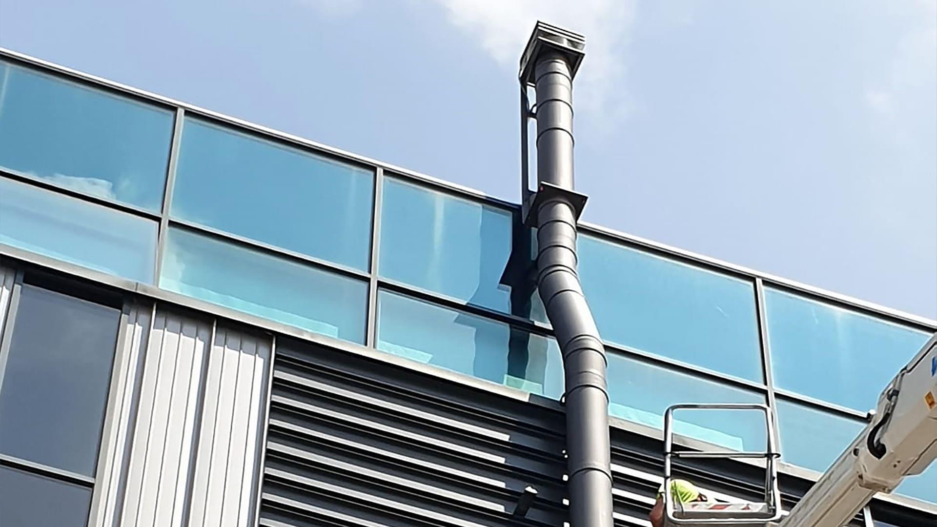 Progettazione e installazione di canna fumaria in ristorante a Bergamo